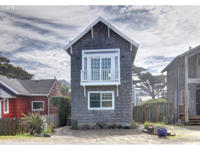 213 W Siuslaw St, Cannon Beach, OR 97110 (MLS #19302793) :: McKillion Real Estate Group