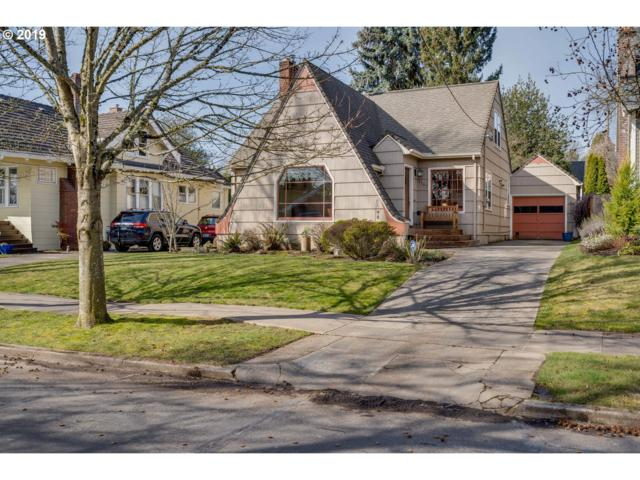7707 SE 19TH Ave, Portland, OR 97202 (MLS #19303005) :: The Sadle Home Selling Team