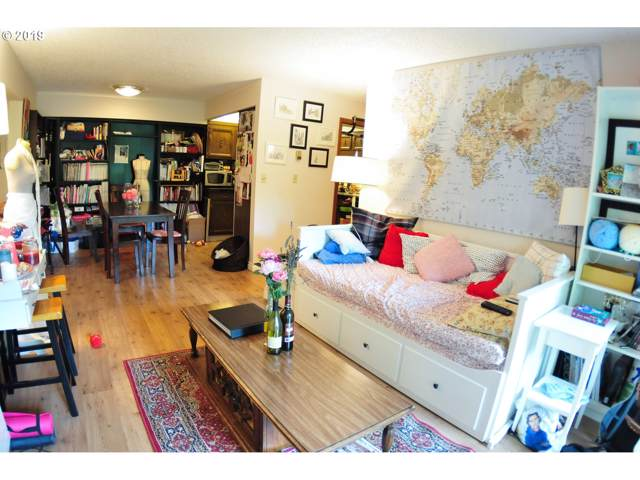 2021 SW Main St #59, Portland, OR 97205 (MLS #19303667) :: Skoro International Real Estate Group LLC