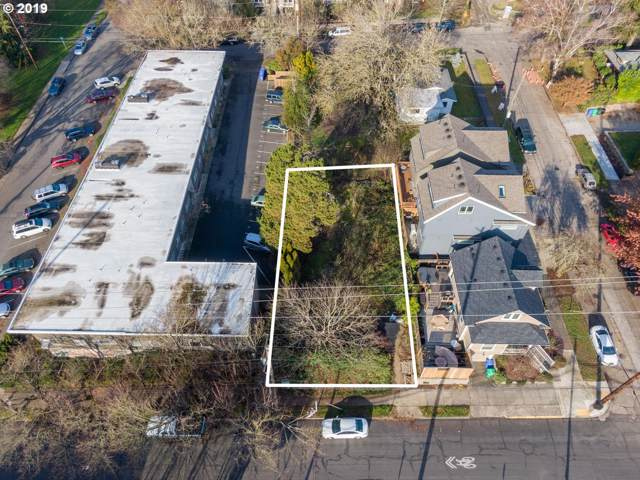 527 SE Spokane St, Portland, OR 97202 (MLS #19307701) :: McKillion Real Estate Group