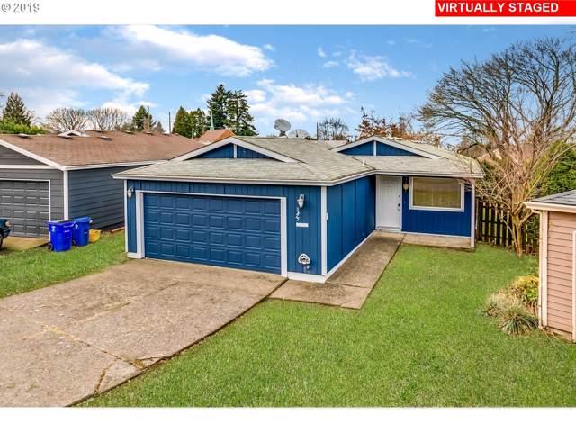 2425 NE Saratoga St, Portland, OR 97211 (MLS #19314598) :: Cano Real Estate