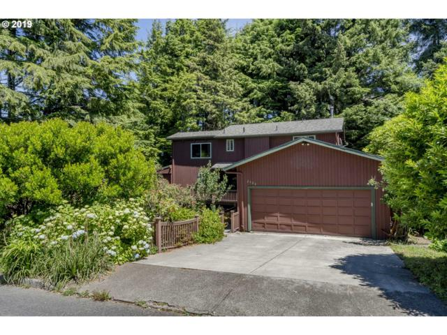 2420 NE Douglas St, Newport, OR 97365 (MLS #19317629) :: McKillion Real Estate Group