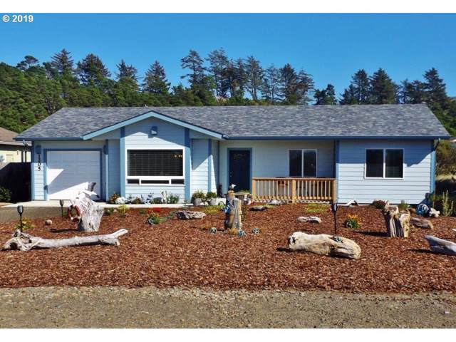 1205 NW Parker Ave, Waldport, OR 97394 (MLS #19320334) :: Song Real Estate