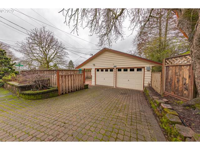 707 SW Dolph St, Portland, OR 97219 (MLS #19320646) :: Gustavo Group
