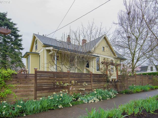 6408 NE Durham Ave, Portland, OR 97035 (MLS #19324224) :: The Sadle Home Selling Team