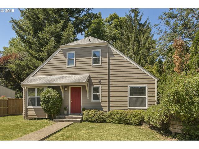 9245 SW Brooks Bend Pl, Portland, OR 97223 (MLS #19326052) :: TLK Group Properties