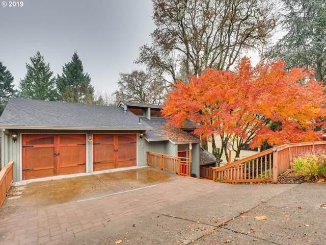17721 Overlook Cir, Lake Oswego, OR 97034 (MLS #19326202) :: The Galand Haas Real Estate Team