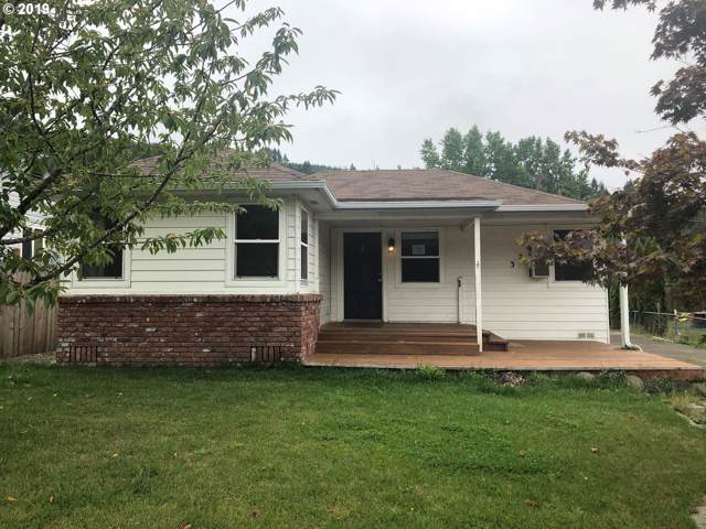 329 Moreland Ave, Drain, OR 97435 (MLS #19329142) :: Song Real Estate