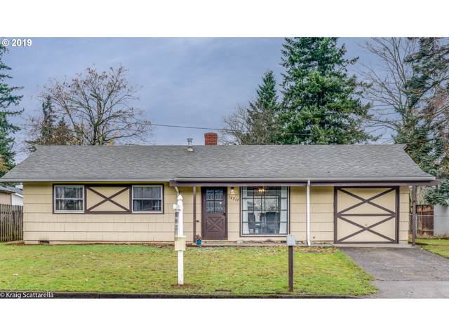 12717 SE Gladstone St, Portland, OR 97236 (MLS #19330105) :: Gustavo Group