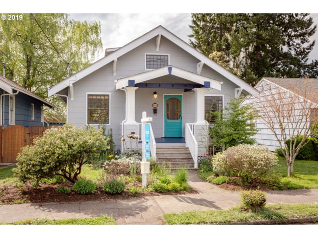 2233 SE 43RD Ave, Portland, OR 97215 (MLS #19330286) :: The Sadle Home Selling Team