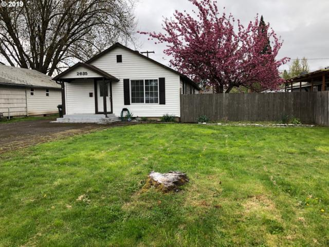 2635 D St, Springfield, OR 97477 (MLS #19330511) :: The Galand Haas Real Estate Team