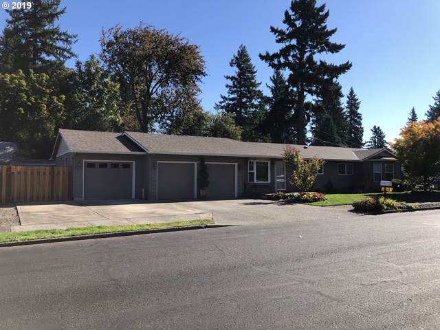 1322 SE 114TH Ave, Portland, OR 97216 (MLS #19331154) :: Fox Real Estate Group