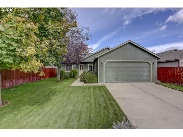 3265 SW Metolius Pl, Redmond, OR 97756 (MLS #19338700) :: Townsend Jarvis Group Real Estate