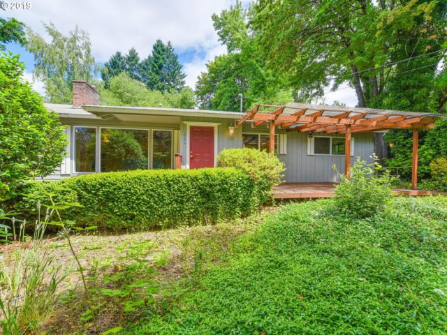 9938 SW Terwilliger Blvd, Portland, OR 97219 (MLS #19351697) :: The Liu Group