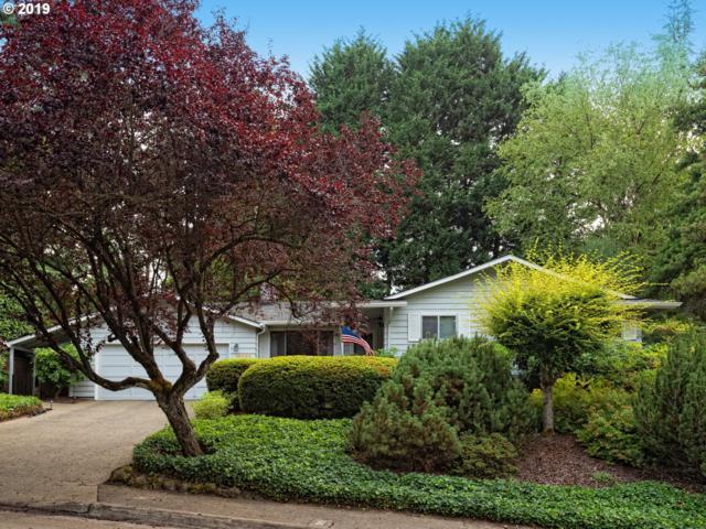 16860 Lakeridge Dr, Lake Oswego, OR 97034 (MLS #19354168) :: Homehelper Consultants