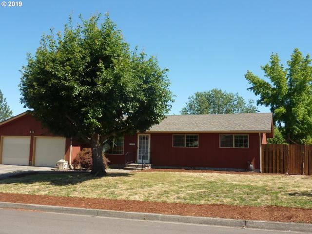 3082 W Chateau Ave, Roseburg, OR 97471 (MLS #19360272) :: McKillion Real Estate Group