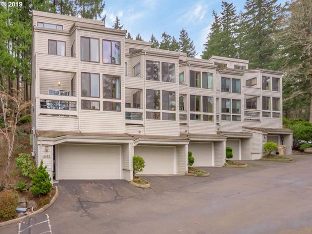 4386 Thunder Vista Ln, Lake Oswego, OR 97035 (MLS #19364542) :: The Sadle Home Selling Team