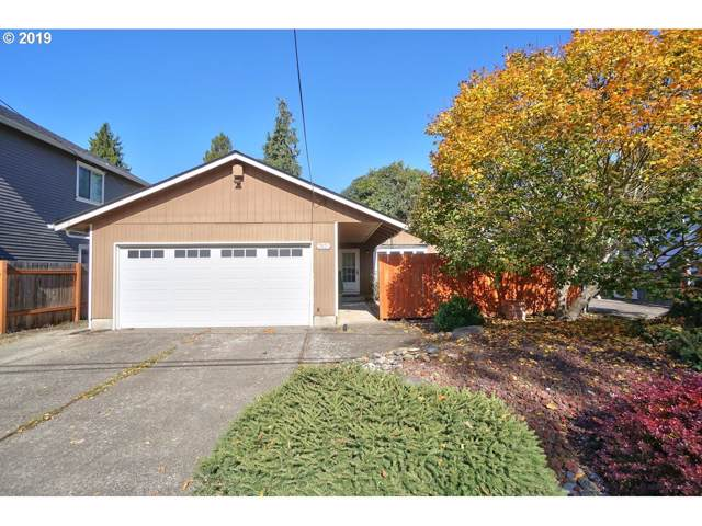 3825 SE Center St, Portland, OR 97202 (MLS #19368888) :: Gustavo Group