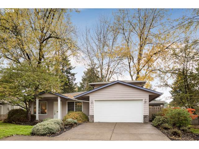 8320 SW 33RD Ave, Portland, OR 97219 (MLS #19369125) :: Gustavo Group