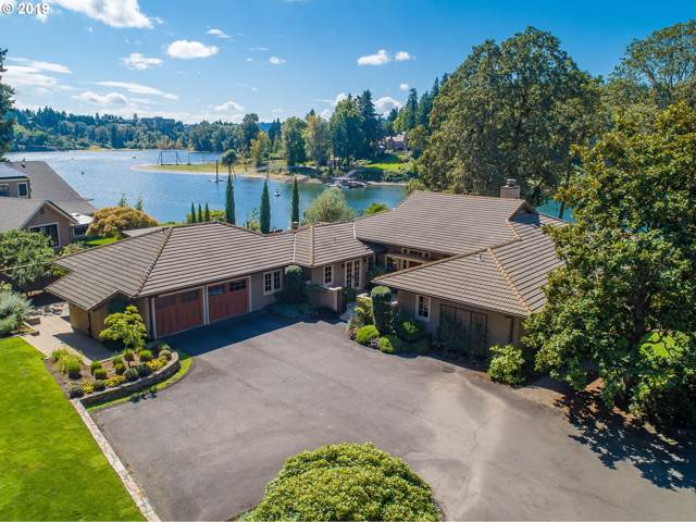 1300 SE Lava Dr, Milwaukie, OR 97222 (MLS #19370247) :: Cano Real Estate
