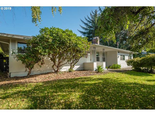 10891 SE Spruce View Ln, Happy Valley, OR 97086 (MLS #19377460) :: The Lynne Gately Team