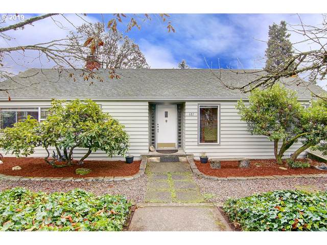 687 Level Ln, Springfield, OR 97477 (MLS #19378402) :: Song Real Estate