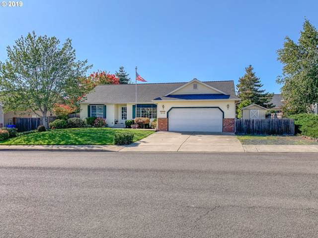 318 NW Teal St, Winston, OR 97496 (MLS #19381362) :: Matin Real Estate Group