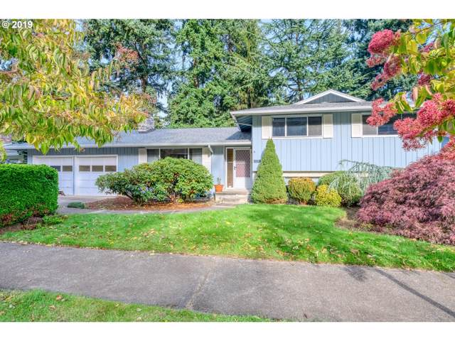 15207 SE Gladstone Dr, Portland, OR 97236 (MLS #19382138) :: Skoro International Real Estate Group LLC