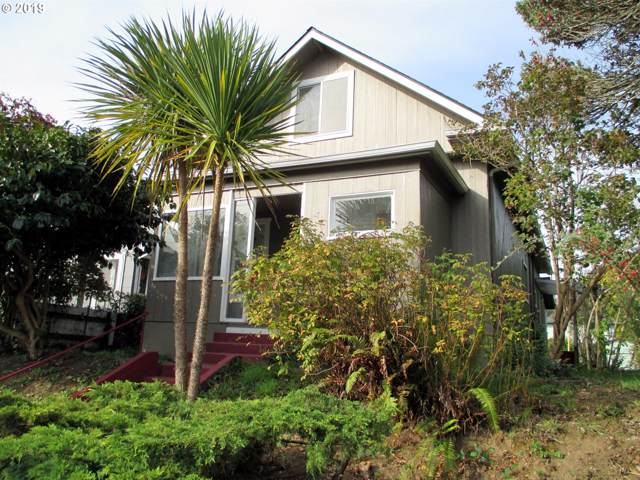 977 S 4TH St, Coos Bay, OR 97420 (MLS #19385458) :: Cano Real Estate