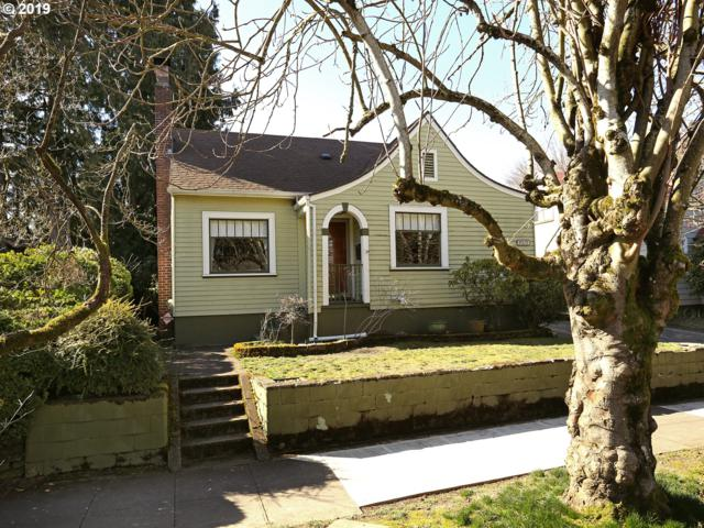 7315 SE 16TH Ave, Portland, OR 97202 (MLS #19386588) :: The Sadle Home Selling Team