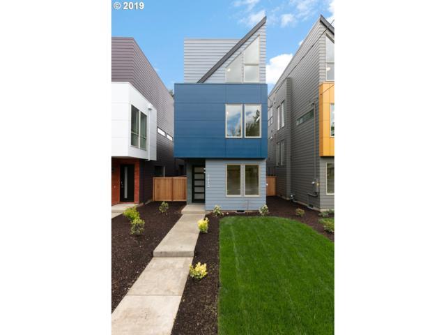 8212 N Chautauqua Blvd, Portland, OR 97217 (MLS #19389721) :: Homehelper Consultants