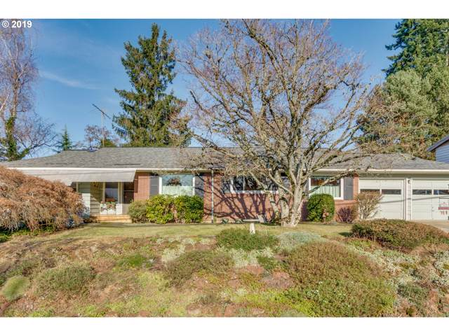 10032 SW 62ND Ave, Portland, OR 97219 (MLS #19389731) :: The Liu Group