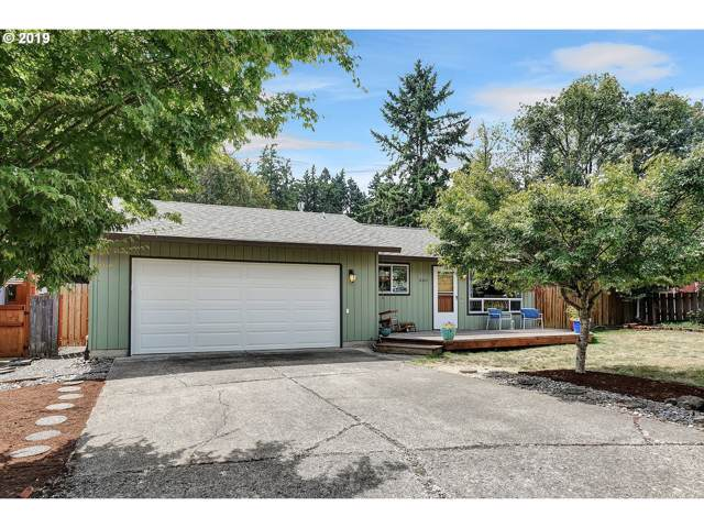 8360 SW Davies Ct, Portland, OR 97223 (MLS #19394838) :: Matin Real Estate Group