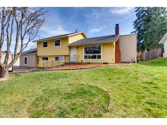 7060 SW 189TH Ave, Beaverton, OR 97007 (MLS #19395351) :: The Sadle Home Selling Team