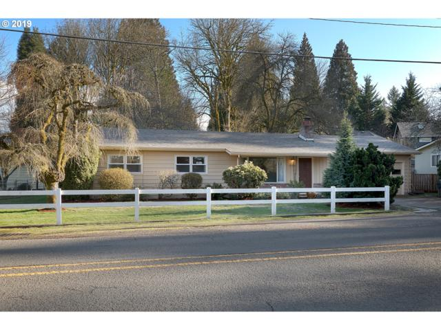 4084 Cedaroak Dr, West Linn, OR 97068 (MLS #19395354) :: Change Realty
