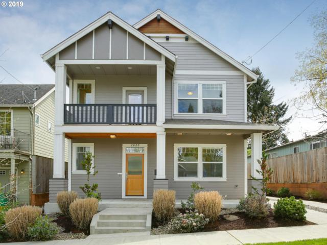 2026 SE Tenino St, Portland, OR 97202 (MLS #19396175) :: The Sadle Home Selling Team