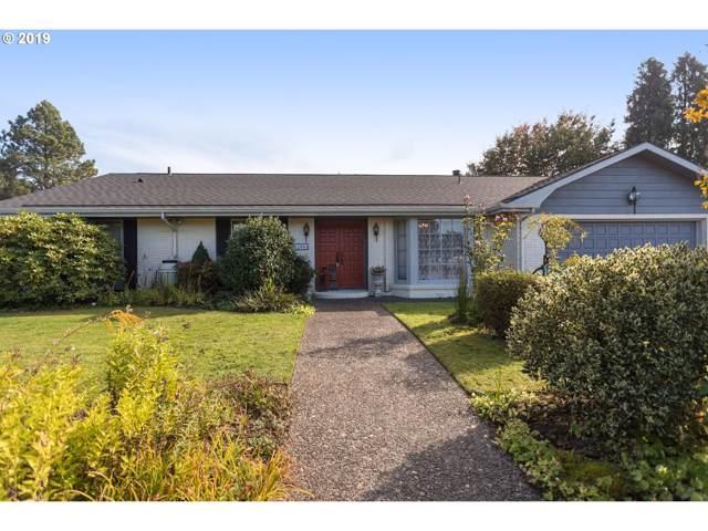 12006 SE Redwood Ave, Milwaukie, OR 97222 (MLS #19399023) :: Skoro International Real Estate Group LLC