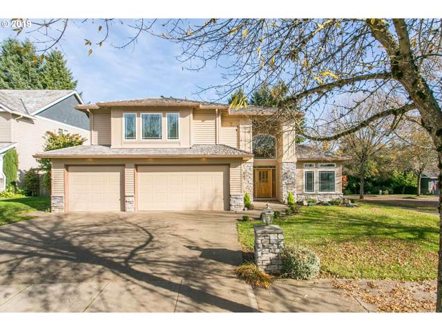 4003 Ridge Ct, West Linn, OR 97068 (MLS #19399042) :: Homehelper Consultants