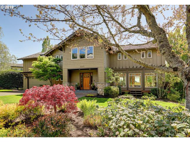 2209 NW Crestview Way, Portland, OR 97229 (MLS #19405971) :: Townsend Jarvis Group Real Estate