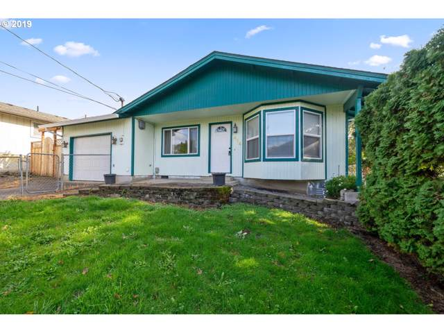 414 S 9TH St, St. Helens, OR 97051 (MLS #19408333) :: Skoro International Real Estate Group LLC