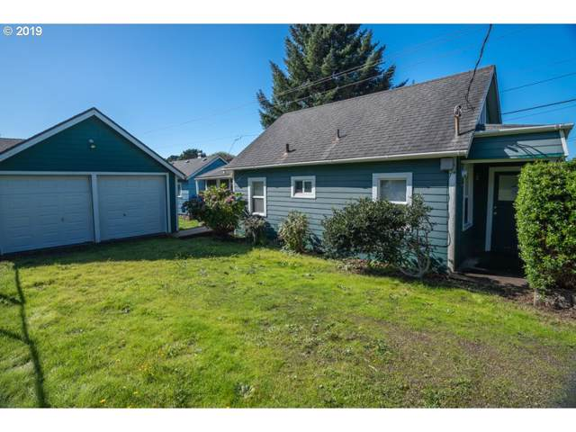 1716 NE 14TH St, Lincoln City, OR 97367 (MLS #19408741) :: The Liu Group