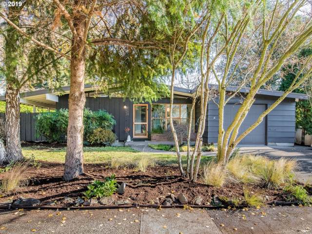 2628 SE 68TH Ave, Portland, OR 97206 (MLS #19408994) :: Townsend Jarvis Group Real Estate