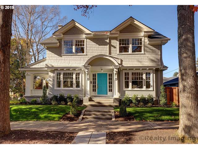 411 NE 43RD Ave, Portland, OR 97213 (MLS #19409739) :: Gustavo Group