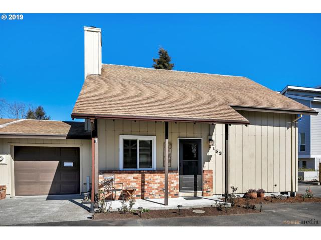 2152 SE Lambert St, Portland, OR 97202 (MLS #19410898) :: Song Real Estate