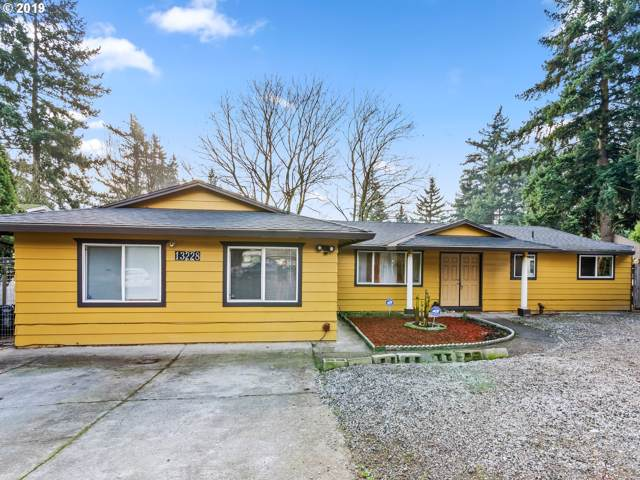 13228 SE Brooklyn Ct, Portland, OR 97236 (MLS #19412345) :: Next Home Realty Connection