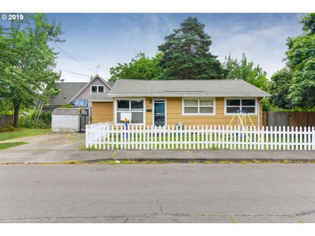 9210 SE Glenwood St, Portland, OR 97266 (MLS #19412450) :: Matin Real Estate Group