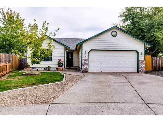 942 Bush Ln, Creswell, OR 97426 (MLS #19412815) :: Song Real Estate