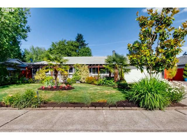 1952 NE 14TH Ave, Hillsboro, OR 97124 (MLS #19415836) :: Homehelper Consultants