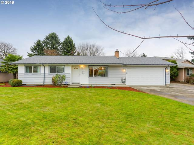 1202 NE 178TH Ave, Portland, OR 97230 (MLS #19416671) :: Homehelper Consultants