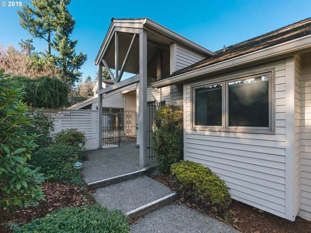 1165 SW Mitchell Ln, Portland, OR 97239 (MLS #19418968) :: The Liu Group